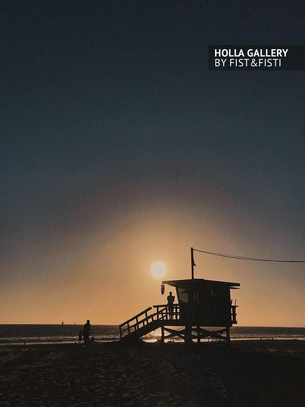 Будка спасателей на Venice beach в Los Angeles, США. Минимализм