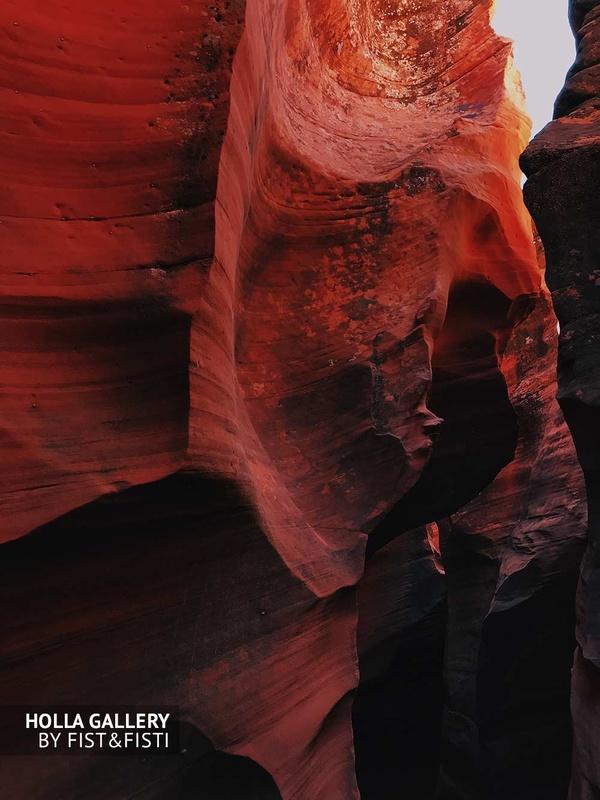 Необычный рисунок в скалах каньона Антилопы. Фото для интерьера квартиры