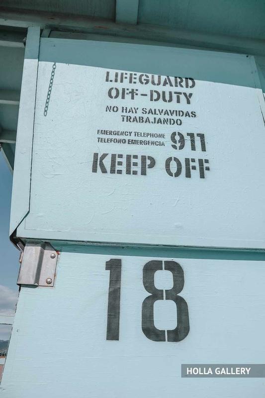Надпись на вышке спасателей