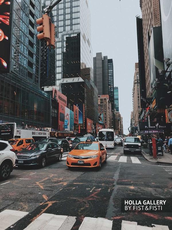 Нью-Йоркское такси. Небоскребы в перспективе. Фото картина