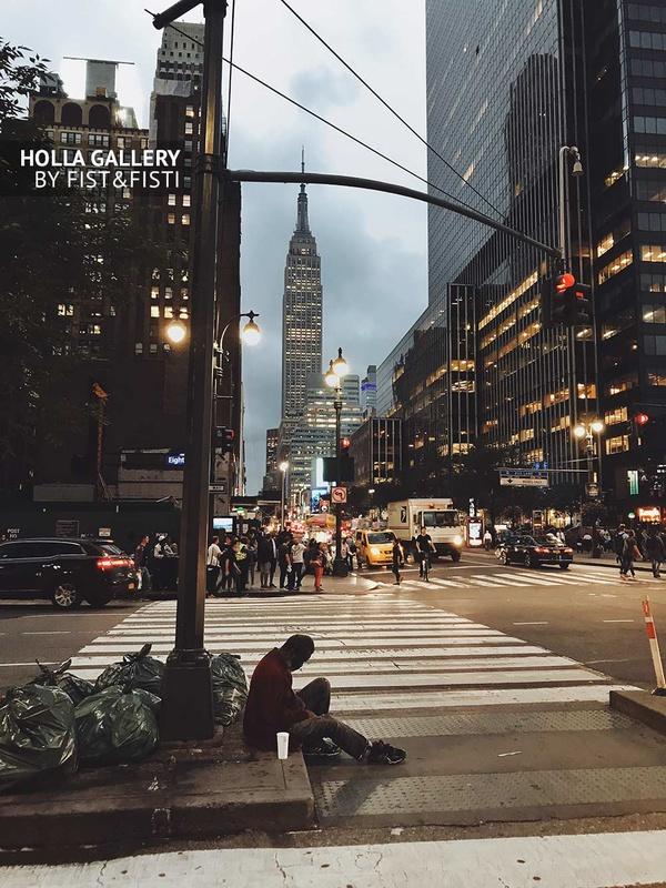 Empire State Building, New York, вечер, сумерки, перекресток, бездомный
