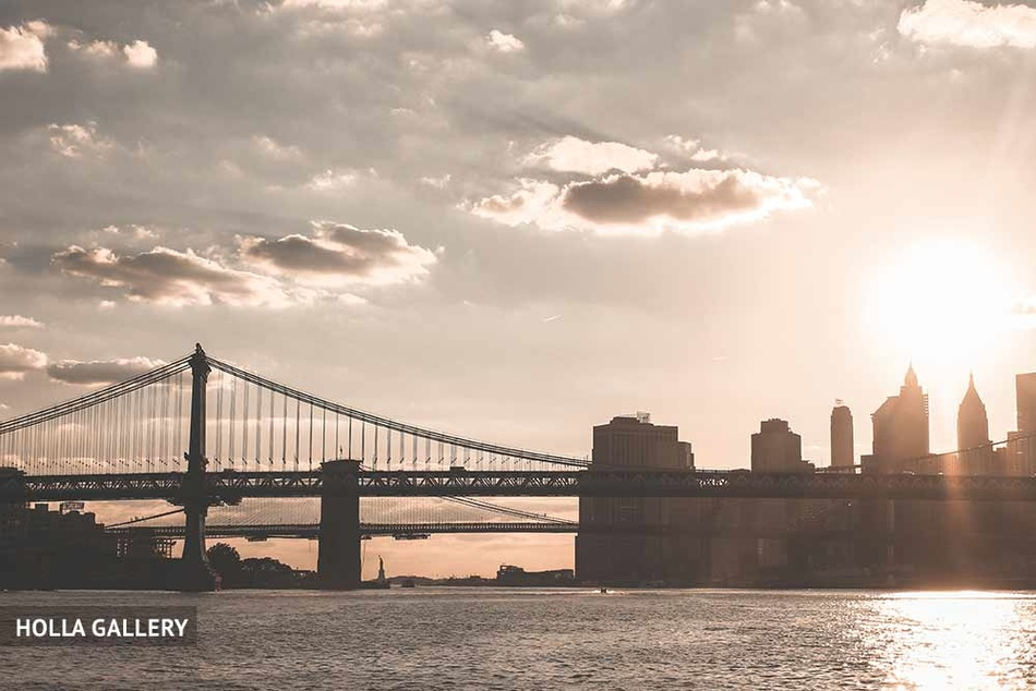 Бруклинский мост издалека фото с воды