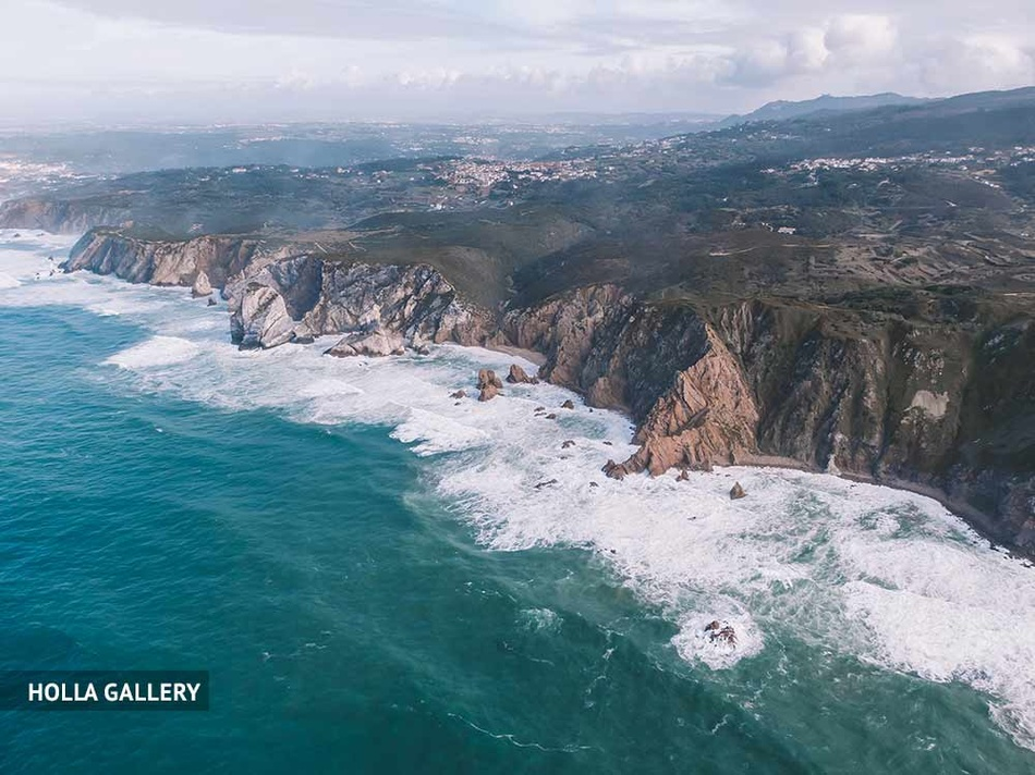 Обрыв мыса Рока с волнами, фотообои для интерьера.