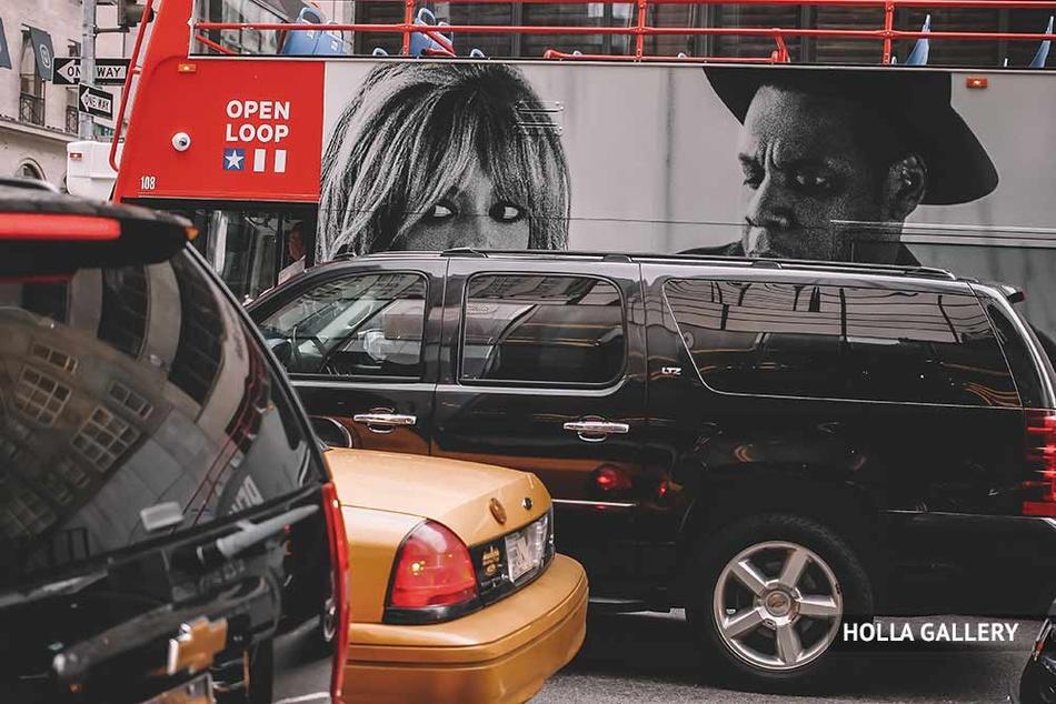 Плотное движение на улице Нью-Йорка