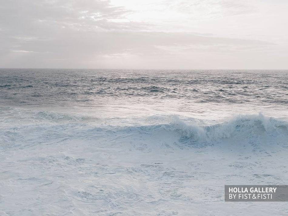 Красивые волны Назаре фотообои для интерьера.