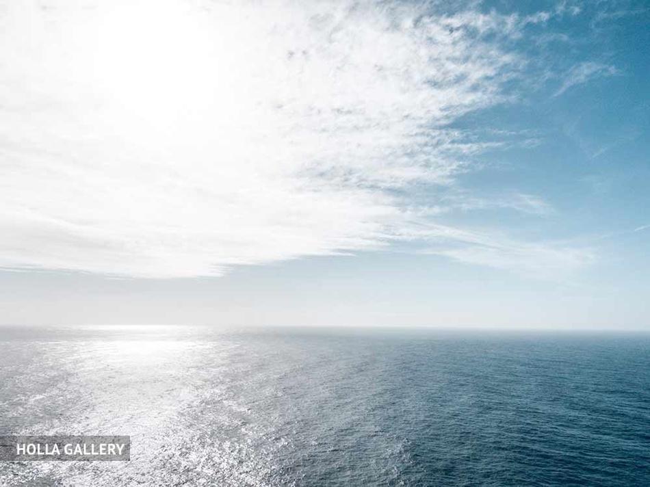 Штиль на Средиземном море у горизонта