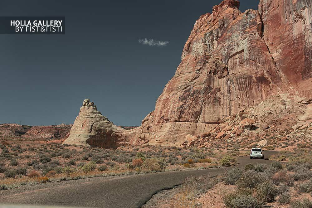 Дорога через скалы штата Utah. Пустыня, небо, авто, путешествие, принт